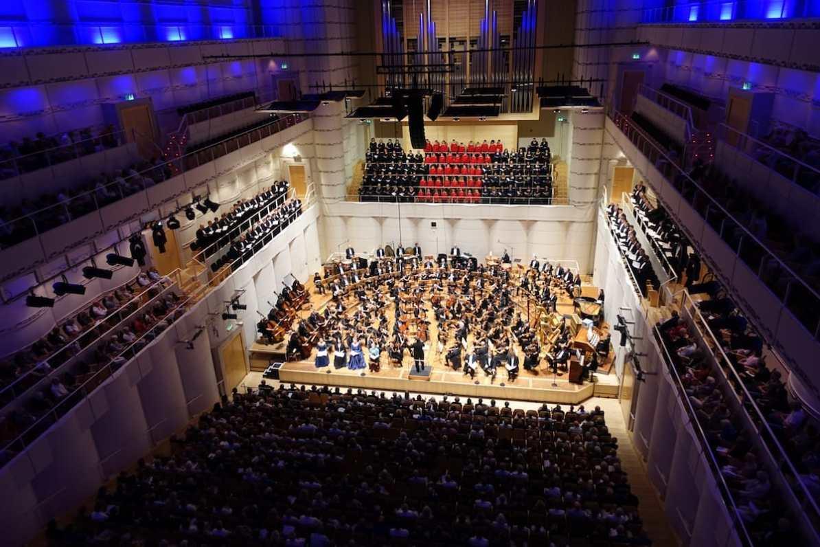 Dortmunder Philharmoniker und Chöre während Mahlers Sinfonie der Tausend