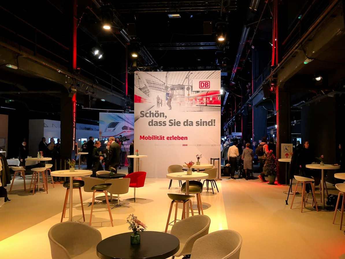 Möbel der neuen DB Lounge