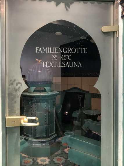 "Themensauna ""Familiengrotte/Textilsauna"""