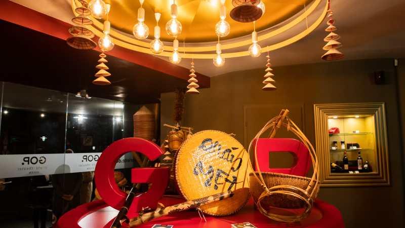 Foyer des GOP Essen mit vietnamesischer Dekoration.