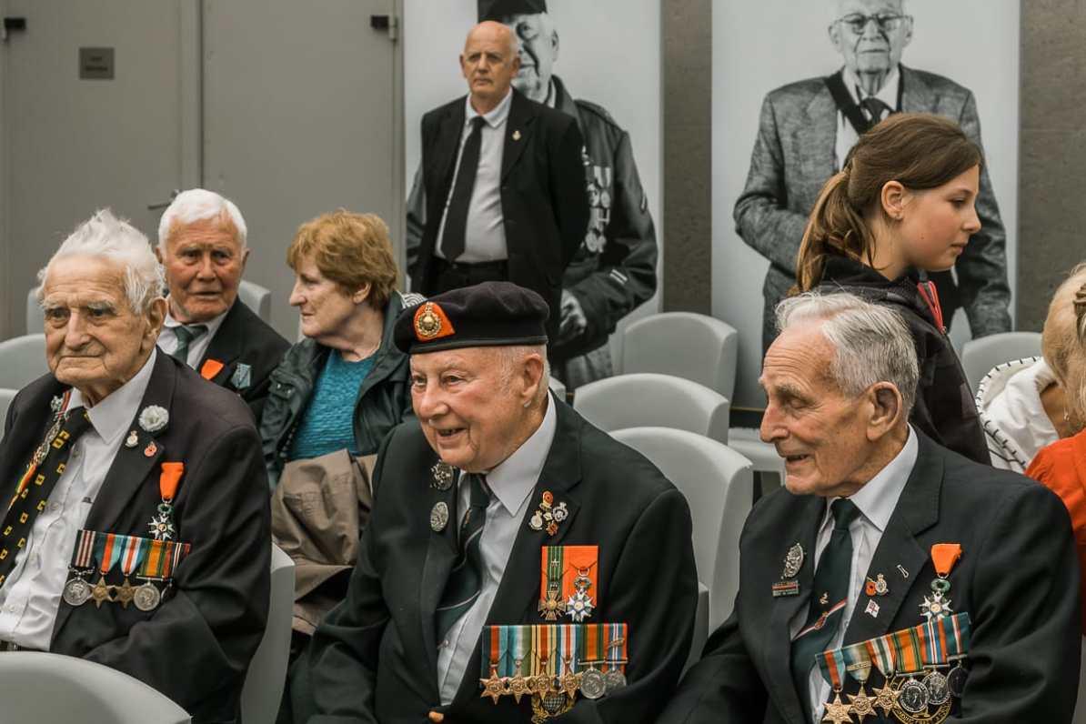 Veteranen im Utah Beach Landing Museum während der D-Day-Feierlichkeiten.