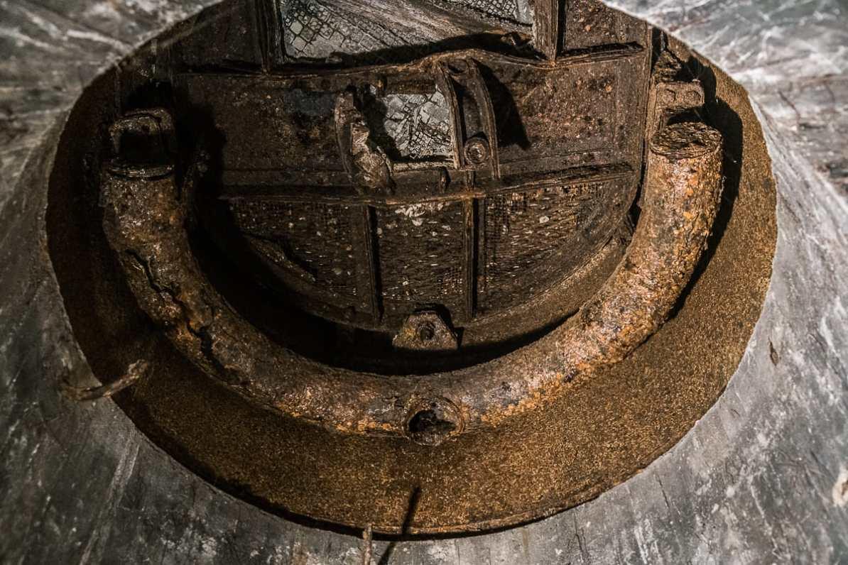 Eine Luke des deutschen Bunkers