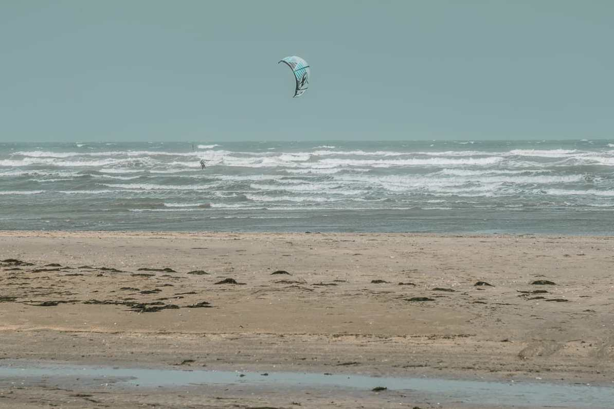 Windsurfer am Utah Beach.