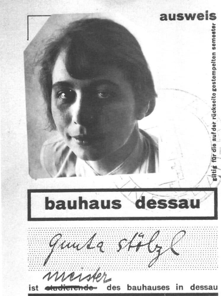 Gunta Stölzl, Bauhaus-Ausweis Foto: gemeinfrei, via Wikipedia.