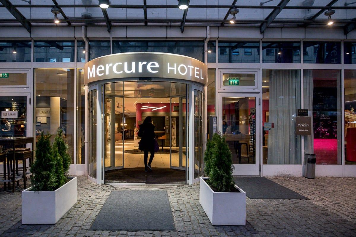 Eingang des Mercure Hotel Berlin City