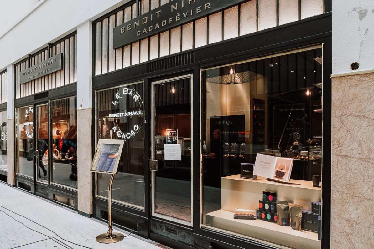 Eingang zum Café des Chocolatiers Benoit Nihant in der Passage Lemonnier, Lüttich