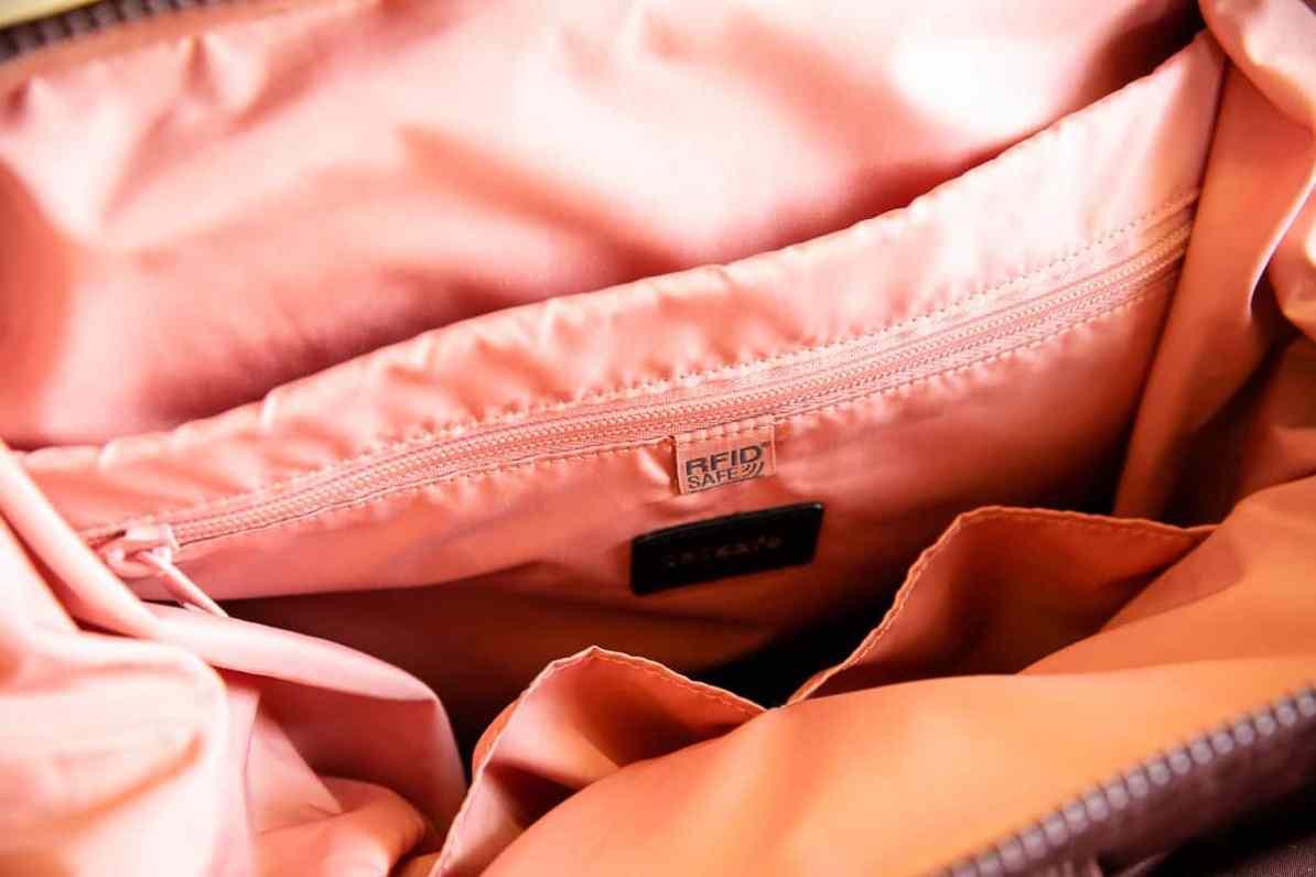 RFID-Sicherheitsmerkmal im Inneren des Rucksacks.