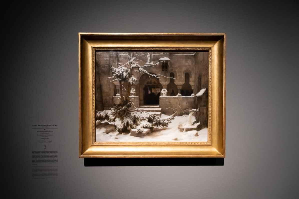 Bild in Ausstellung: Carl Friedrich Lessing - Klosterhof im Schnee (um 1829), Wallraf-Richartz-Museum & Fondation Corboud, Köln