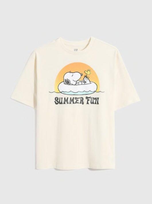 スヌーピー×GAPコラボのTシャツ2021