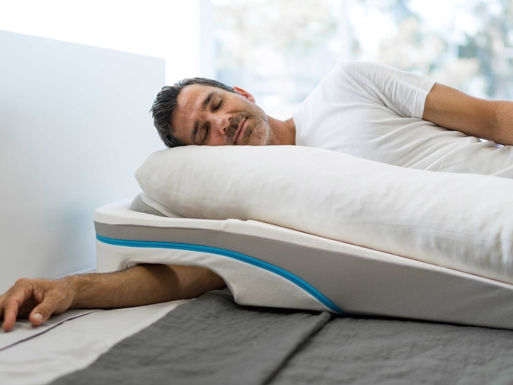 Best Pillow For Shoulder Problems  triptom