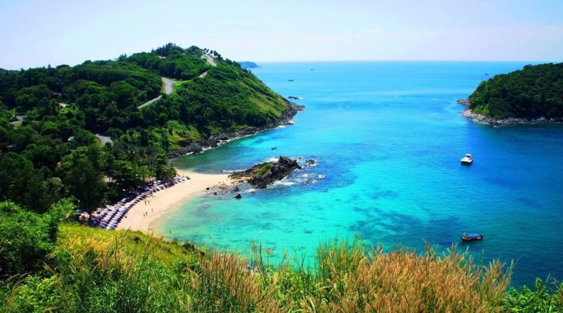 Popular but quiet snorkelling beaches in Phuket