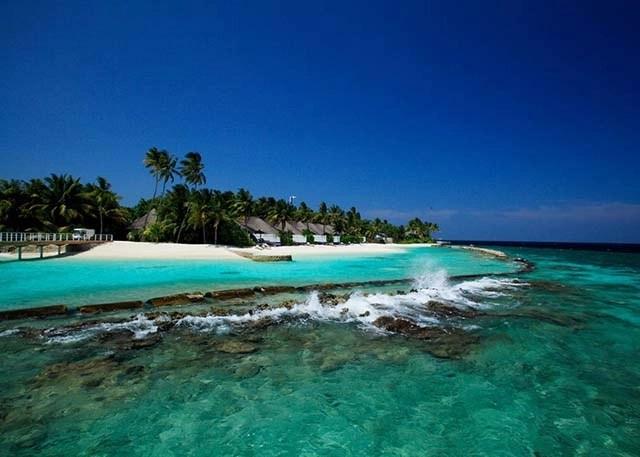 Best snorkeling Maldives resorts