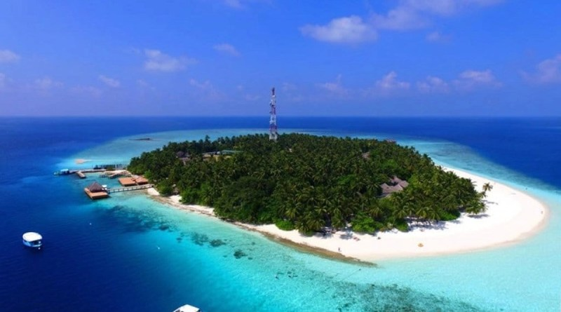 Best snorkeling Maldives resorts in 2017 - Explore the Indian Ocean