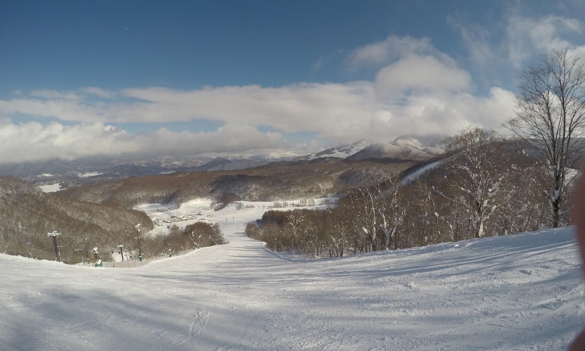 猫魔スキー場からの景観