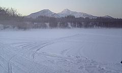 1-29わかさぎ釣り 凍った小野川湖から磐梯山