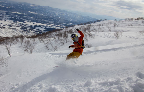 snowboarding at Lotte Arai Resort