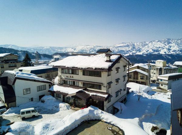 Villa Nozawa typically covered in snow