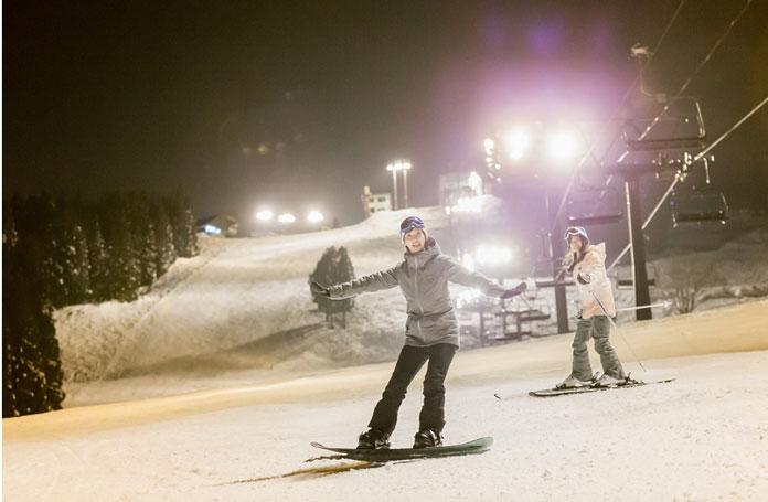 night skiing Ishiuchi Maruyama