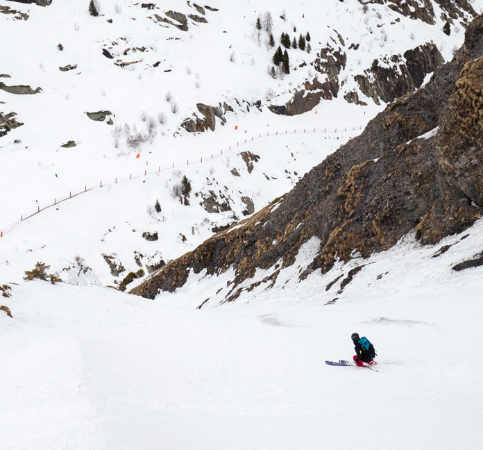 Skiing the 'dirty couloir' at Saint Sorlin