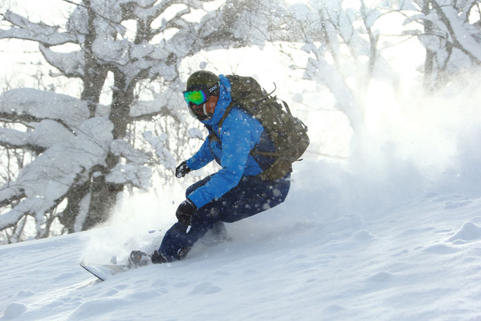 Powder riding in Appi March 2020