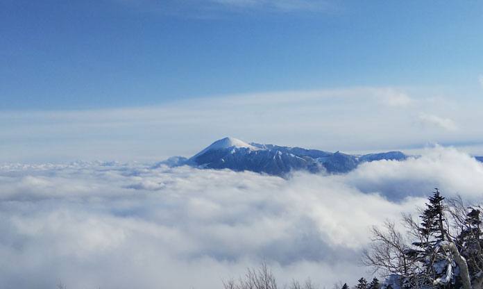 Mt Iwate in Iwate Prefecture, the World's safest skiing with COVID-19 on the loose - they still have zero cases