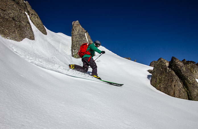 Carving a lonely line on The Paralyser near Perisher