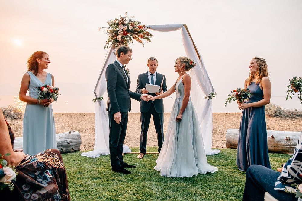 Alex Honnold Ties The Knot Free Solo Climber Marries Sanni Mccandless In Ceremony Officiated By Tommy Caldwell Snowbrains