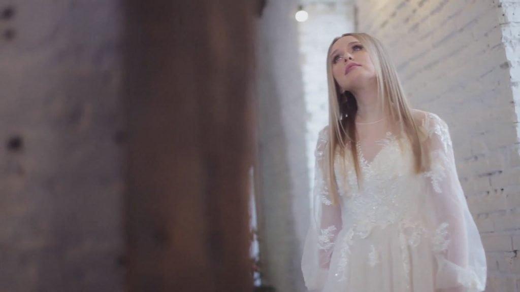 Song translation: Анастасия Чешегорова – Брат 5