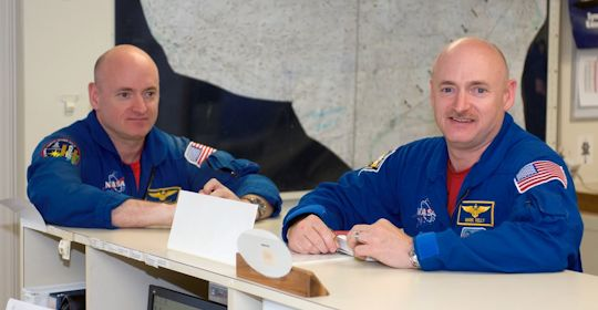 Scott Kelly (L) and Mark Kelly (R) (I think I got that right).