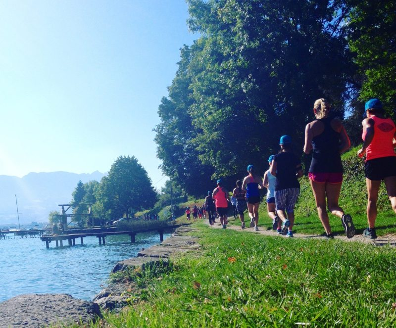 happy-women-in-the-mountains-roxy-fitness-SUP-running