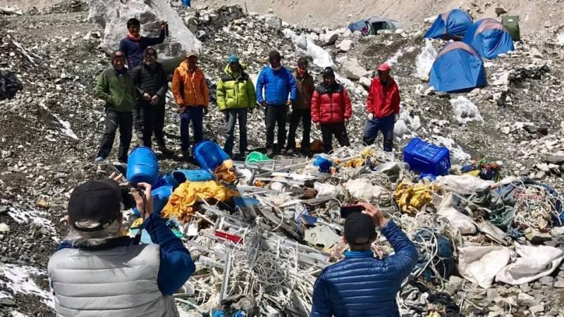 snowflike-Everestgreen-ramassage-dechet-hymalaya-environnement-2017