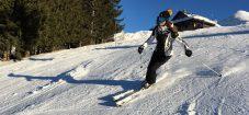 skieuse-intermediaire-débutante-progression-ski-accessible-facile-rassurant-montagne