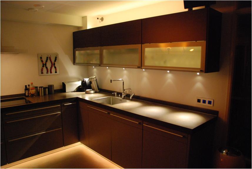Keukenverlichting aanleggen met SnoWi Elektrotechniek