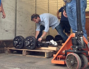 axle-delivery-300×234