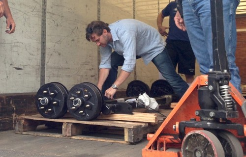 axle-delivery-500×320