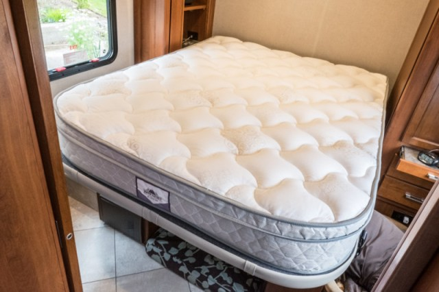 Right after unrolling it, our Denver Mattress was ready to use!