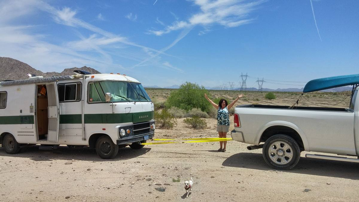 Sue rescues Jill's RV from a ditch - lady RVers unite!