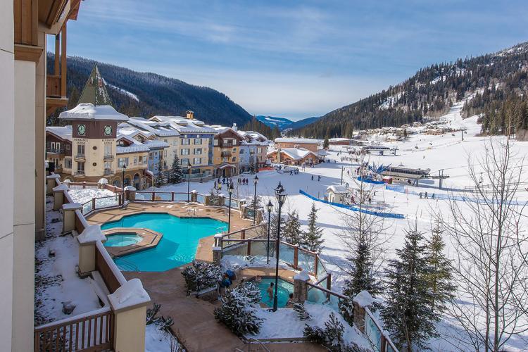 sun-peaks-grand-hotel-exterior