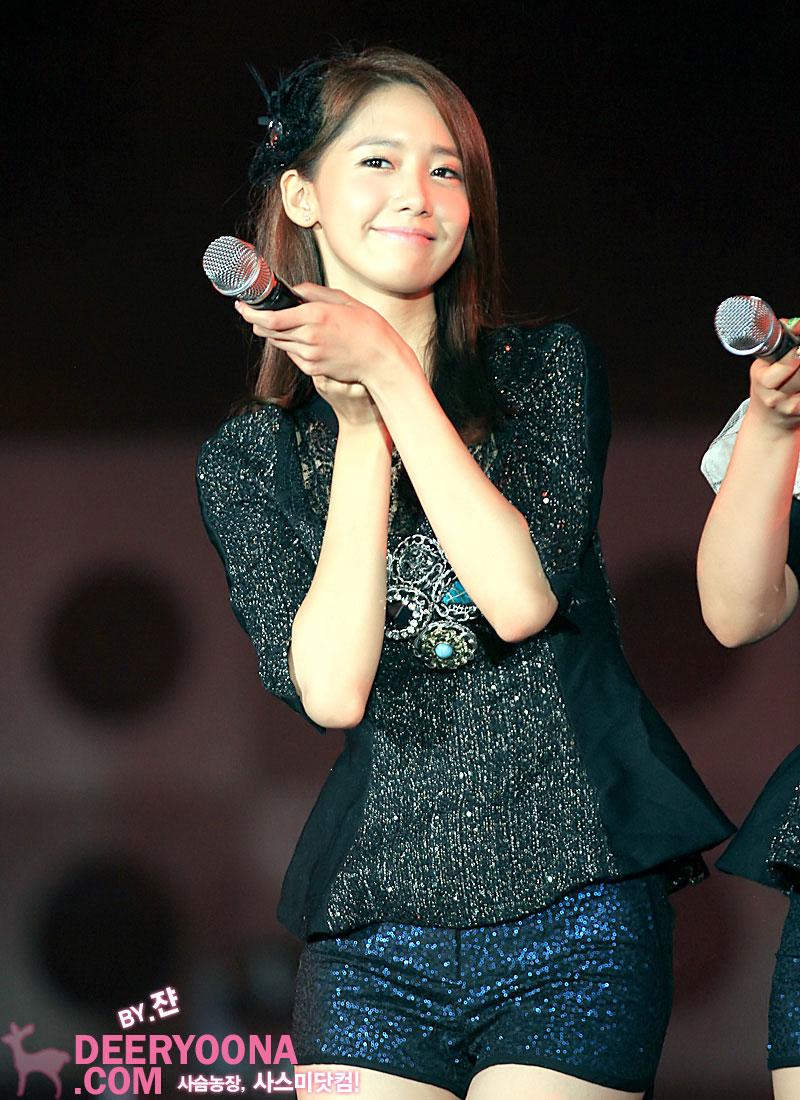 https://i0.wp.com/snsdpics.com/wp-content/uploads/2012/07/yoona-yeosu-concert-5.jpg