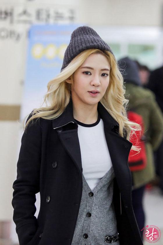 SNSD Hyoyeon Gimpo Airport from Japan fashion