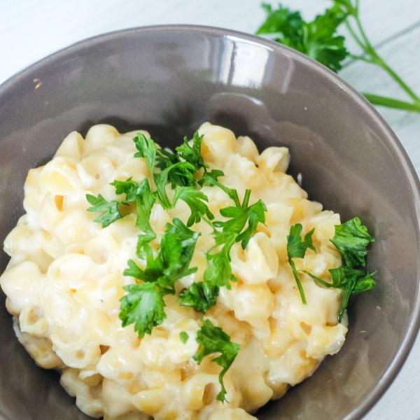 bowl of copycat panera mac and cheese