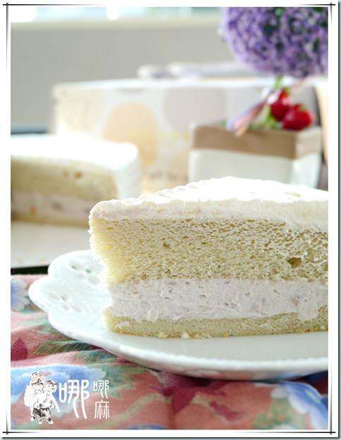 芋頭牛奶蛋糕裝盤