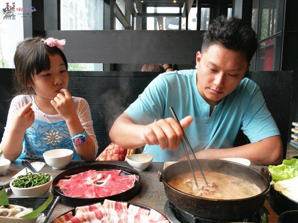 村民食堂, 桃園火鍋, 桃園美食, 海月鍋物, 火鍋, 藝文特區美食