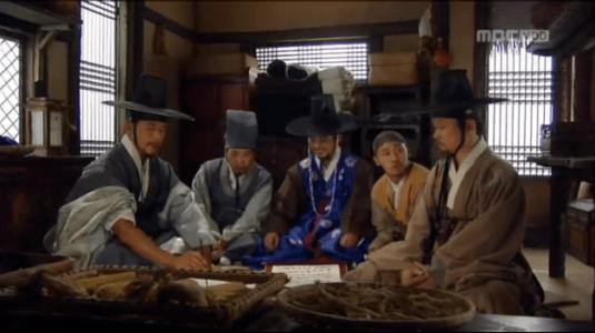獄中花(オクチュンファ)第21話 作戦会議するオンニョの仲間