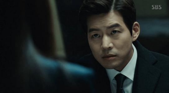 韓国ドラマ「耳打ち(ささやき)」第3話 調査室のイ・ドンジュン