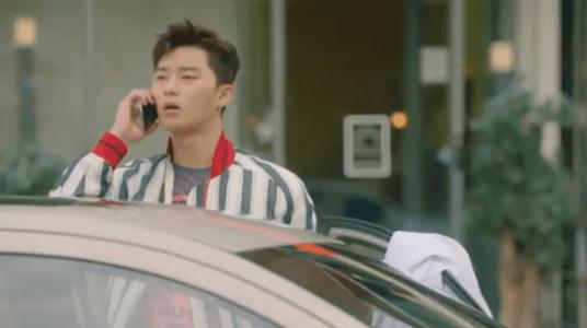 韓国ドラマ「サムマイウェイ」1話 電話を受けるコ・ドンマン