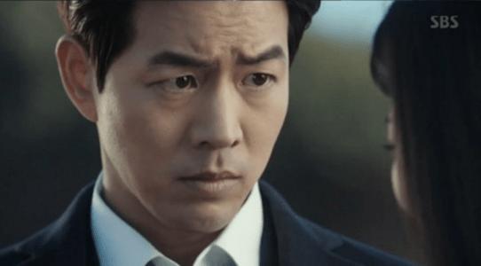 韓国ドラマ「耳打ち(ささやき)」第3話 伏せるイ・ドンジュン