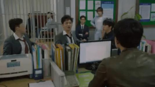 韓国ドラマ「サムマイウェイ」2話 警察に連れて行かれるコ・ドンマンたち