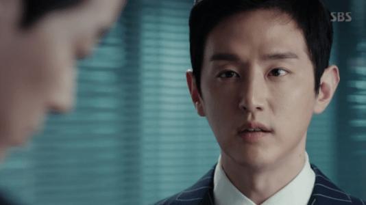 韓国ドラマ「耳打ち(ささやき)」7話 忠告するカン・ジョンイル