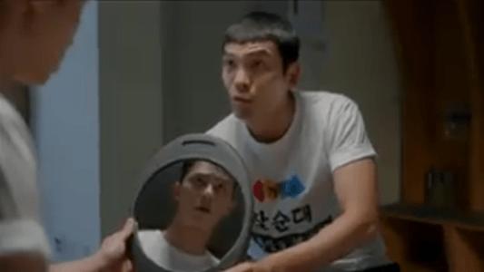 韓国ドラマ「サム、マイウェイ」8話 髪型を気にするファン・ジャンホ